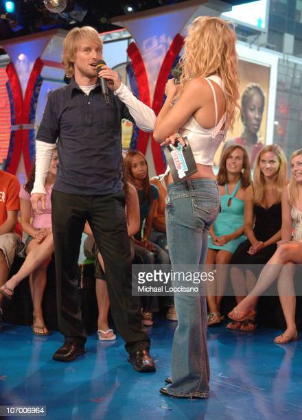 Owen Wilson and Kate Hudson during Beyonce Kate Hudson Owen Wilson Shawn Wayans and Marlon Wayans Visit MTV's TRL July 12 2006 at MTV Studios Times...