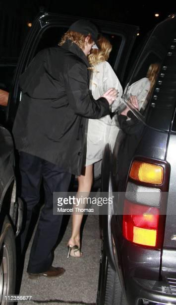 Owen Wilson and Kate Hudson during Kate Hudson and Owen Wilson Sighting in Soho, New York City - April 19, 2007 at Bonhams in New York City, New...