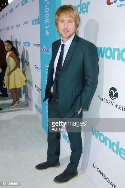 "Owen Wilson attends the premiere of Lionsgate's ""Wonder"" at Regency Village Theatre on November 14, 2017 in Westwood, California."