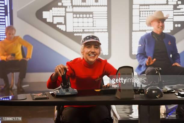 """Owen Wilson"""" Episode 1806 -- Pictured: Heidi Gardner as Wally Funk during the """"Billionaire Star Trek"""" sketch on Saturday, October 2, 2021 --"""