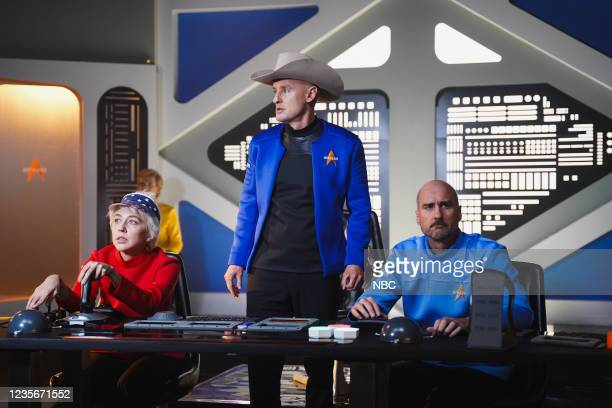 "Owen Wilson"" Episode 1806 -- Pictured: Heidi Gardner as Wally Funk, host Owen Wilson as Jeff Bezos, and Luke Wilson as Mark Bezos during the..."