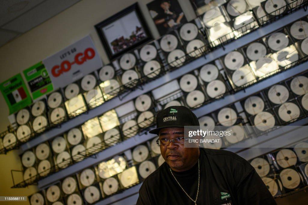 US-GENTRIFICATION-ENTERTAINMENT-SOCIAL-MUSIC-GO-GO : News Photo