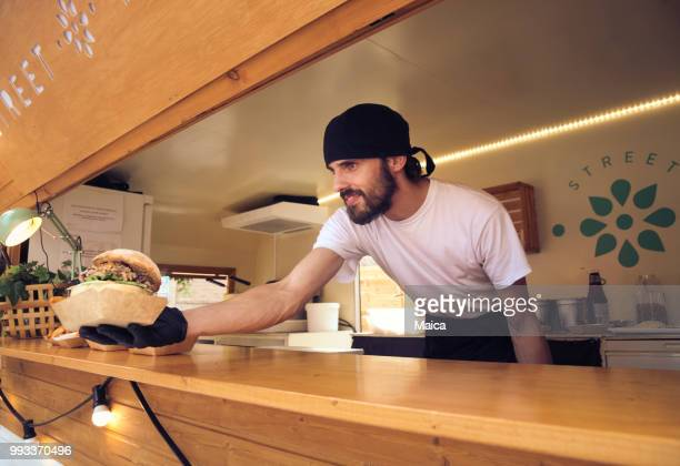 owner food truck - fast food restaurant stock pictures, royalty-free photos & images