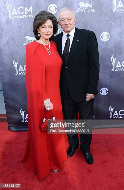 Owner President and General Manager of the Dallas Cowboys Jerry Jones and his wife Gene Jones attend the 49th Annual Academy of Country Music Awards...