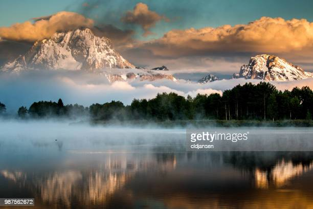 oxbow bend in grand tetons national park, wyoming. - grand teton national park stock pictures, royalty-free photos & images