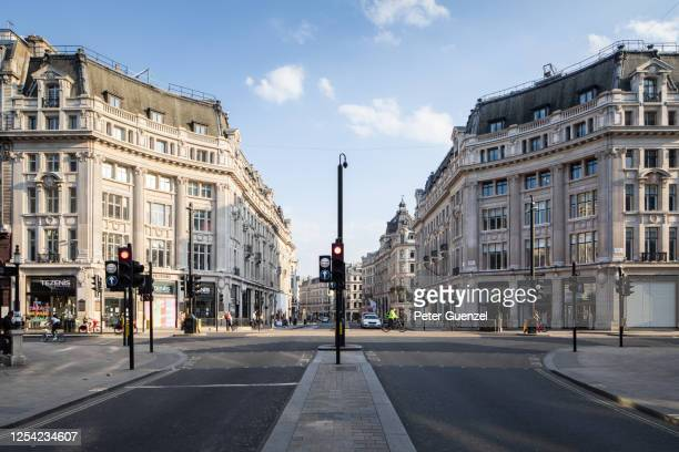 oxford circus under lock down - central london stock pictures, royalty-free photos & images