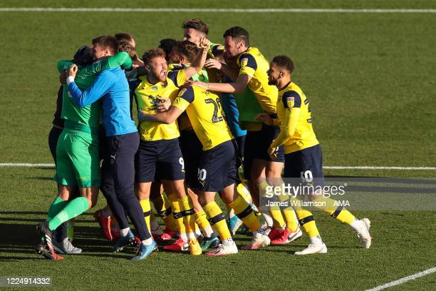 Oxford United players celebrate their 5-4 penalty shoot out victory in the Sky Bet League One Play Off Semi-final 2nd Leg match between Oxford United...