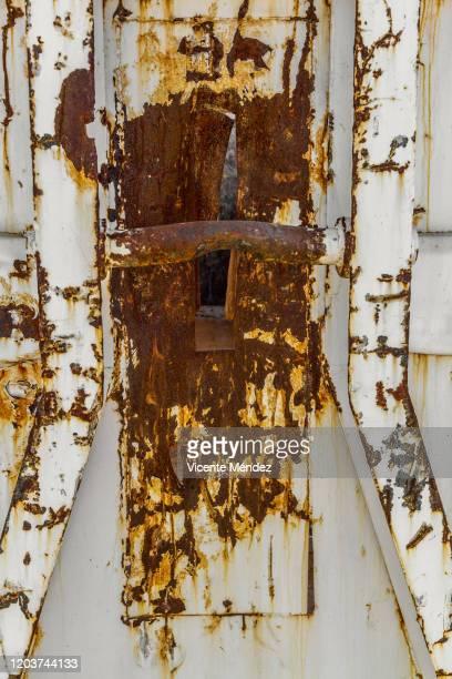 oxide in white container - vicente méndez fotografías e imágenes de stock