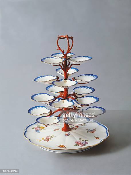 Oyster pyramid stand ceramic Sevres manufacture IledeFrance France 18th century Florence Palazzo Pitti Museo Dele Porcellane