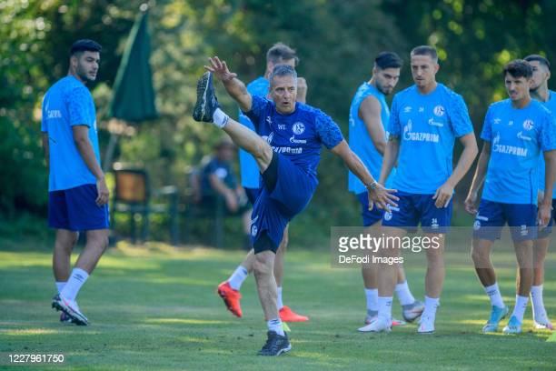 Ozan Kabak of FC Schalke 04, Athletic coach Werner Leuthard of FC Schalke 04, Suat Serdar of FC Schalke 04, Bastian Oczipka of FC Schalke 04 and...