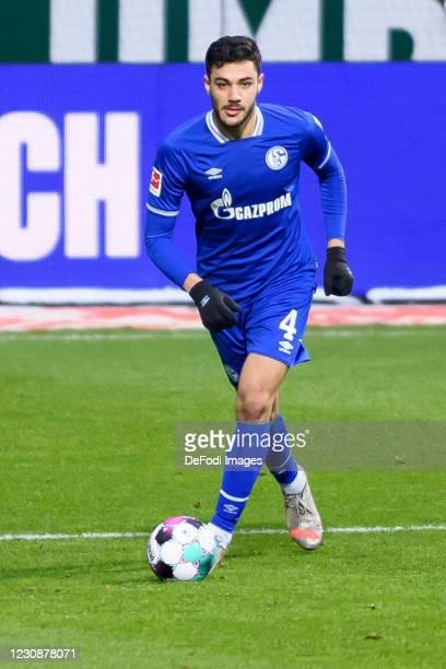 Ozan Kabak of FC Schalke 04 controls the ball during the Bundesliga match between SV Werder Bremen and FC Schalke 04 at Wohninvest Weserstadion on...