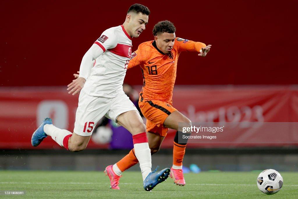 Turkey  v Holland -World Cup Qualifier : News Photo