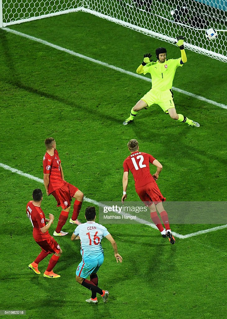 Ozan Tufan of Turkey scores his team's second goal during the UEFA EURO 2016 Group D match between Czech Republic and Turkey at Stade Bollaert-Delelis on June 21, 2016 in Lens, France.