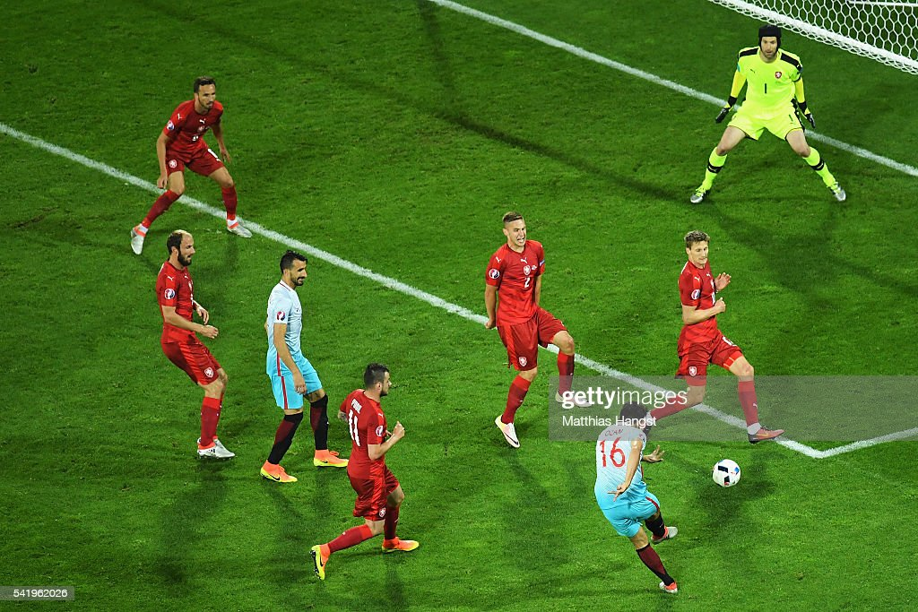 Czech Republic v Turkey - Group D: UEFA Euro 2016 : News Photo
