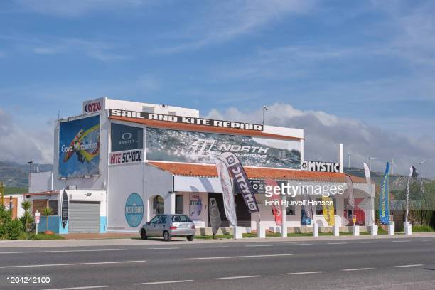 ozu kite and surf school in tarifa spain - finn bjurvoll stock pictures, royalty-free photos & images