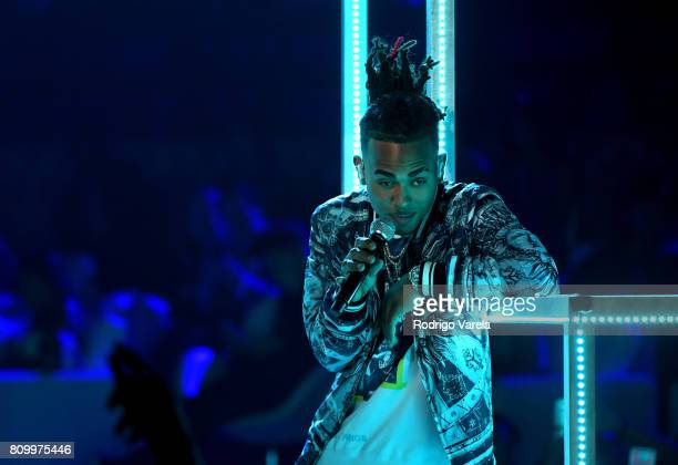 Ozuna performs on stage during Univision's Premios Juventud 2017 Celebrates The Hottest Musical Artists And Young Latinos ChangeMakers at Watsco...