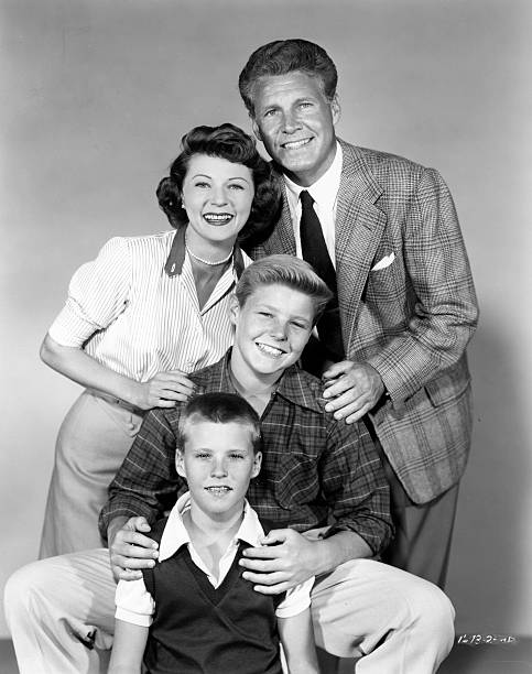 ozzie-nelson-harriet-nelson-david-nelson