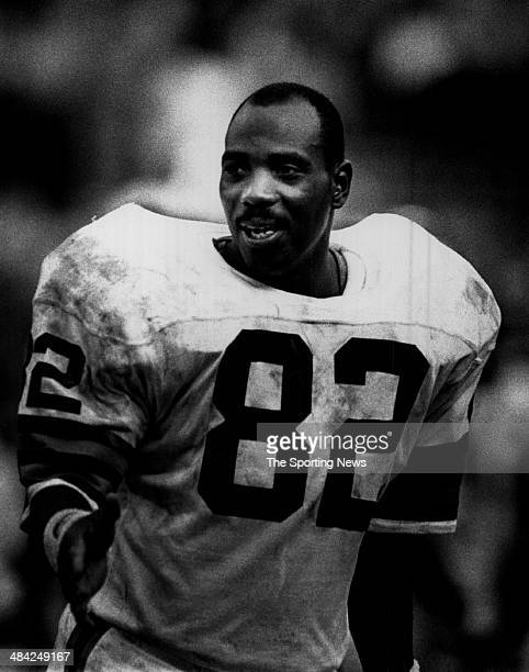 Ozzie Newsome of the Cleveland Browns looks on circa 1980s