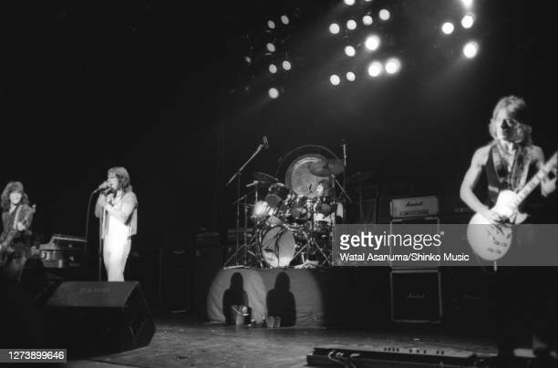 Ozzy Osbourne band performs on stage on the 'Blizzard Of Ozz' tour United Kingdom SeptemberOctober 1980 Bob Daisley Ozzy Osbourne Lee Kerslake Randy...