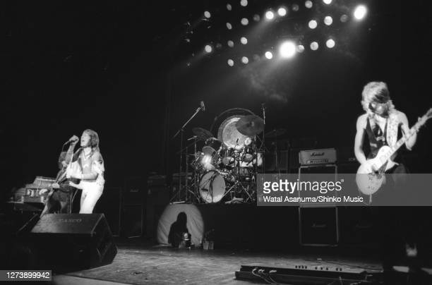 Ozzy Osbourne band performs on stage on the 'Blizzard Of Ozz' tour United Kingdom SeptemberOctober 1980 Ozzy Osbourne Lee Kerslake Randy Rhoads