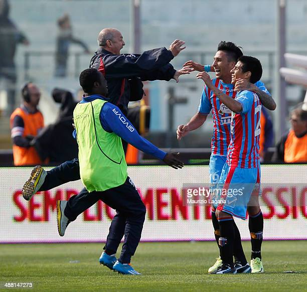 Pablo Barrientos of Catania celebrates after scoring his team's 4th goal during the Serie A match between Calcio Catania and AS Roma at Stadio Angelo...