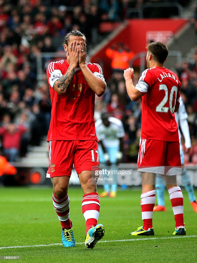 Pablo Daniel Osvaldo of Southampton reacts after a missed chance on goal during the Barclays Premier League match between Southampton and West Ham United at St Mary's Stadium on September 15, 2013 in Southampton, England.