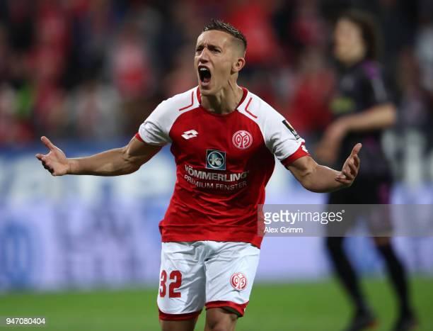 Pablo de Blasis of Mainz celebrates scoring the penalty goal during the Bundesliga match between 1 FSV Mainz 05 and SportClub Freiburg at Opel Arena...