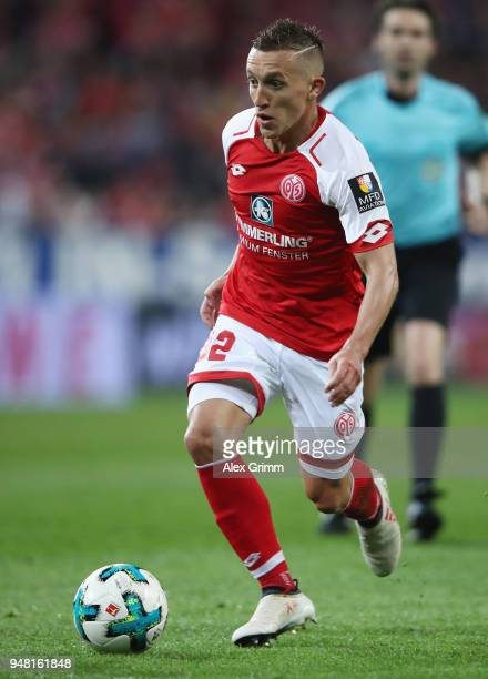 Pablo de Blasis of Mainz controls the ball during the Bundesliga match between 1 FSV Mainz 05 and SportClub Freiburg at Opel Arena on April 16 2018...