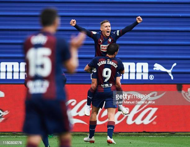 Pablo De Blasis of SD Eibar celebrates after scoring his team's second goal during the La Liga match between SD Eibar and FC Barcelona at Ipurua...