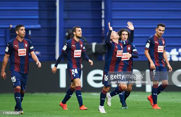 Pablo De Blasis of SD Eibar celebrates with teammates after scoring his team's second goal during the La Liga match between SD Eibar and FC Barcelona...