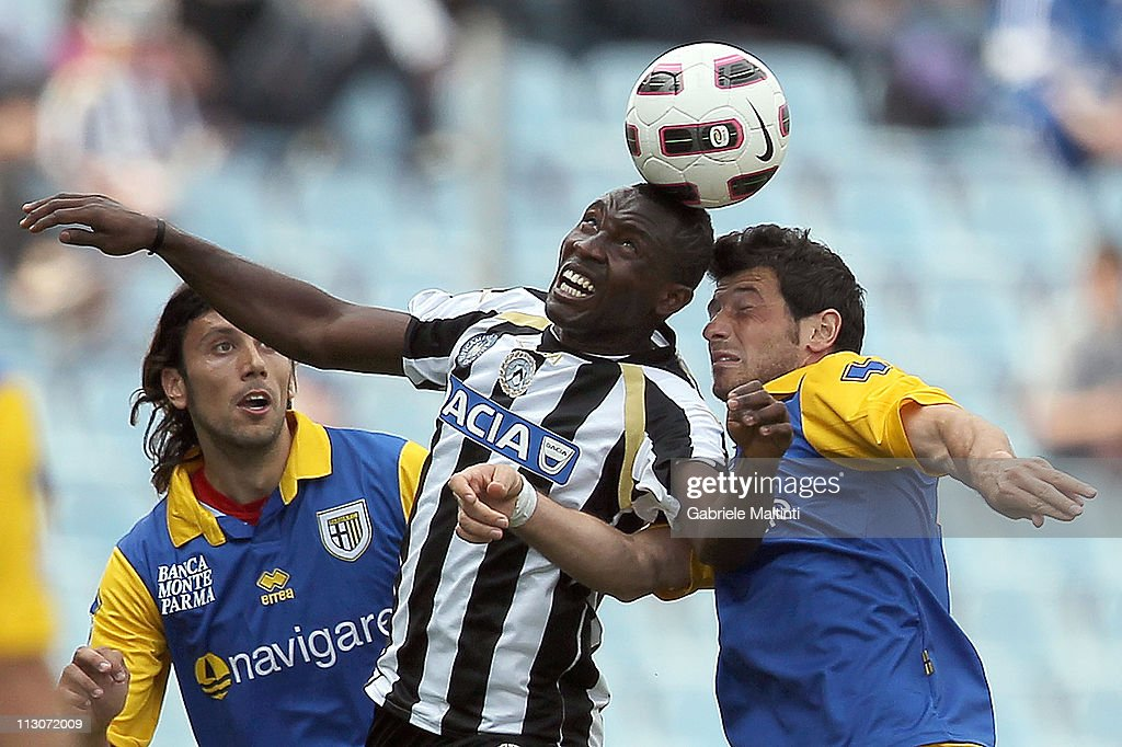 Pablo Estifer Armero of Udinese Calcio fights for the ball with Blerim Dzemaili of Parma FC during the Serie A match between Udinese Calcio and Parma FC at Stadio Friuli on April 23, 2011 in Udine, Italy.