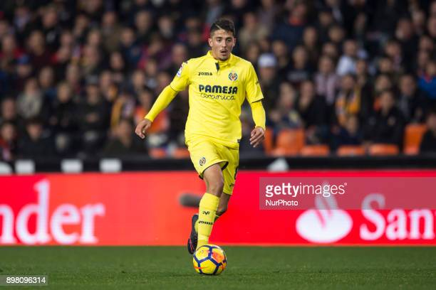 Pablo Fornals during the match between Valencia CF against Villarreal CF week 17 of La Liga 2017/18 at Mestalla stadium Valencia SPAIN 17th December...