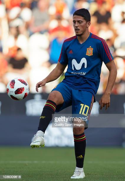 Pablo Fornals of Spain warms up during the 2019 UEFA Under 21 qualifier match between Spain U21 and Albania U21 at Nuevo Arcangel Stadium on...