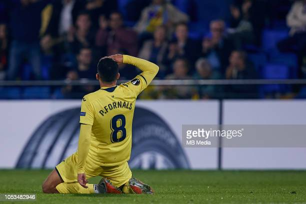 Pablo Fornals of Villarreal CF celebrates a goal after scoring during the UEFA Europa League Group G match between Villarreal CF and SK Rapid Wien at...