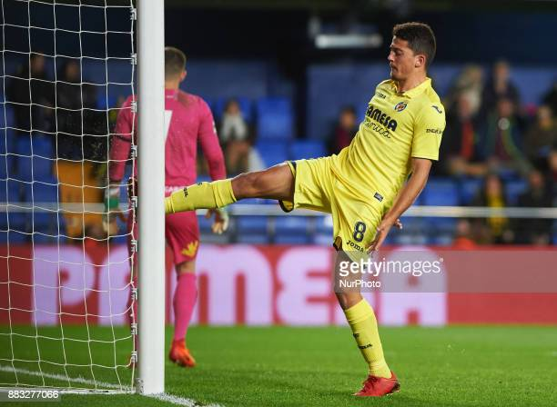 Pablo Fornals of Villarreal CF reacts during the Copa del Rey Round of 32 Second Leg match between Villarreal CF and SD Ponferradina at Estadio de la...
