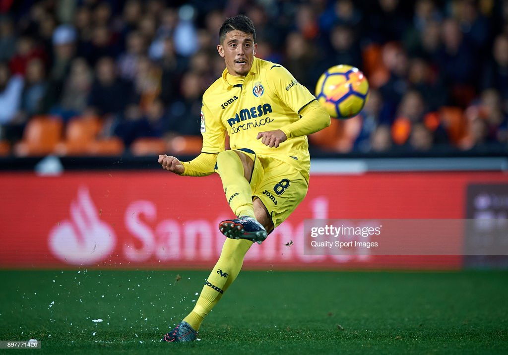 Pablo Fornals of Villarreal in action during the La Liga match between Valencia and Villarreal at Mestalla Stadium on December 23, 2017 in Valencia, Spain.