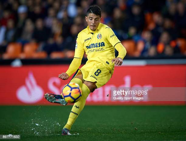 Pablo Fornals of Villarreal in action during the La Liga match between Valencia and Villarreal at Mestalla Stadium on December 23 2017 in Valencia...