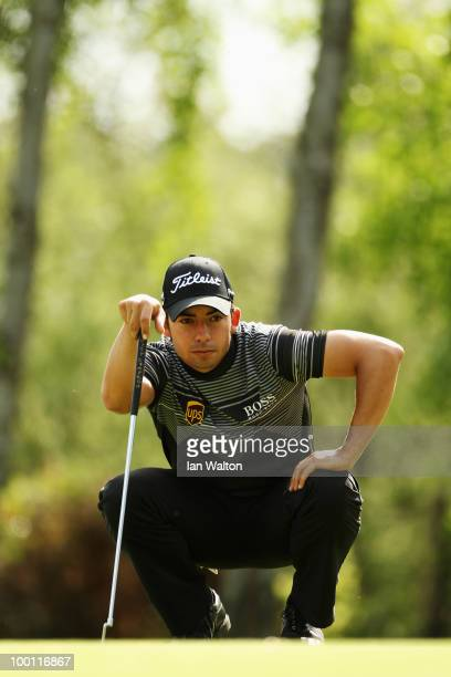 Pablo Larrazabal of Spain lines up his putt on the 9th green during the second round of the BMW PGA Championship on the West Course at Wentworth on...