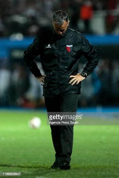Pablo Lavallén head coach of Colon reacts during the final of Copa CONMEBOL Sudamericana 2019 between Colon and Independiente del Valle at Estadio...