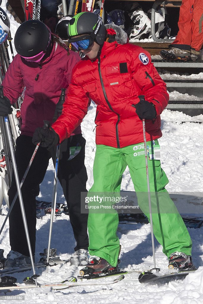 Pablo Nieto 'Gelete' and his girlfriend are seen on December 6, 2012 in Baqueira Beret, Spain.