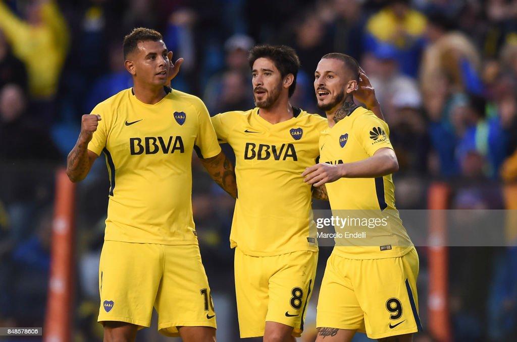 Boca Juniors v Godoy Cruz - Superliga 2017/18