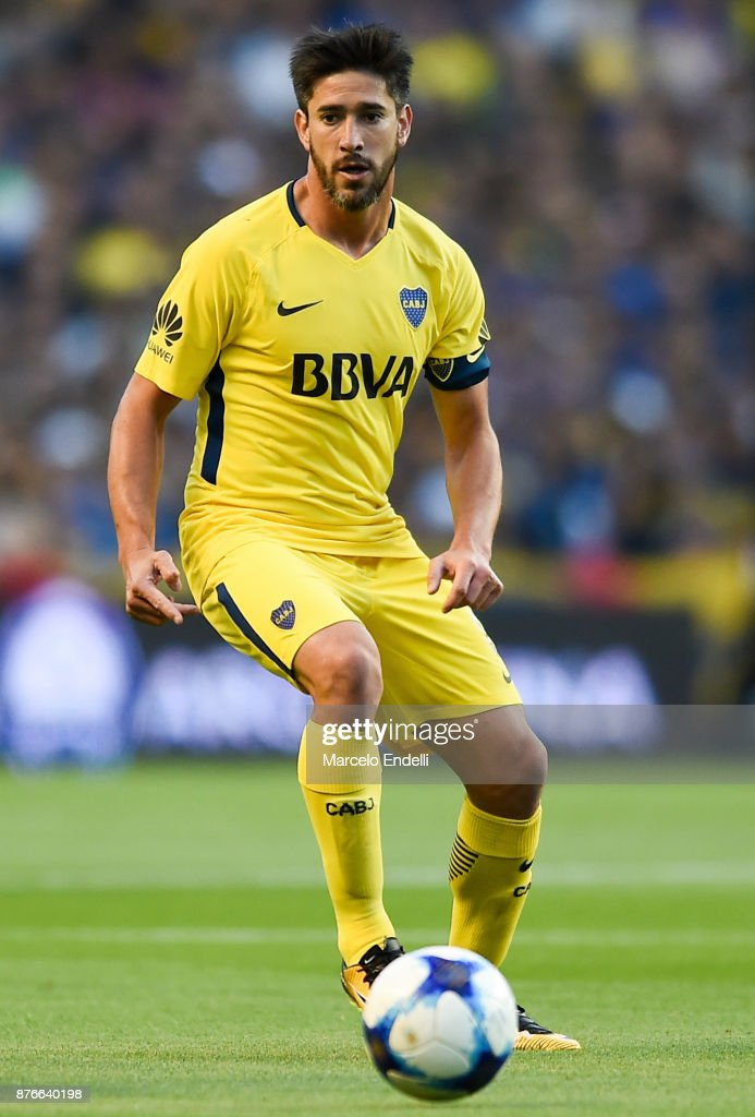 Pablo Perez of Boca Juniors drives the ball during a match between Boca Juniors and Racing Club as part of the Superliga 2017/18 at Alberto J. Armando Stadium on November 19, 2017 in Buenos Aires, Argentina.