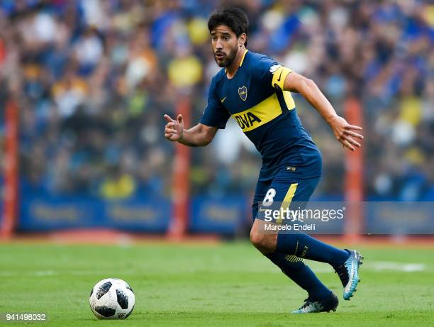 Pablo Perez of Boca Juniors drives the ball during a match between Boca Juniors and Talleres as part of Superliga 2017/18 at Alberto J Armando...
