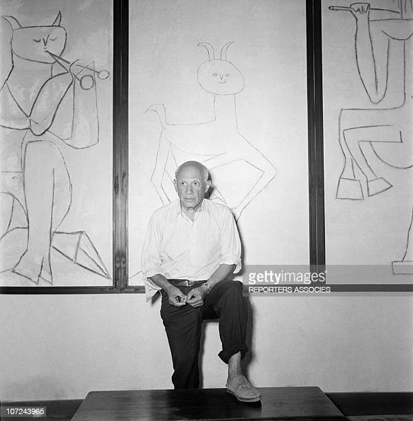 Pablo Picasso at the opening of his ceramics exhibition at the Antibes museum, today known as the Picasso Museum, the first museum in the world to be...