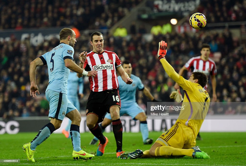 Pablo Zabaleta of Manchester City scores his team's third goal during the Barclays Premier League match between Sunderland and Manchester City at The Stadium of Light on December 3, 2014 in Sunderland, England.