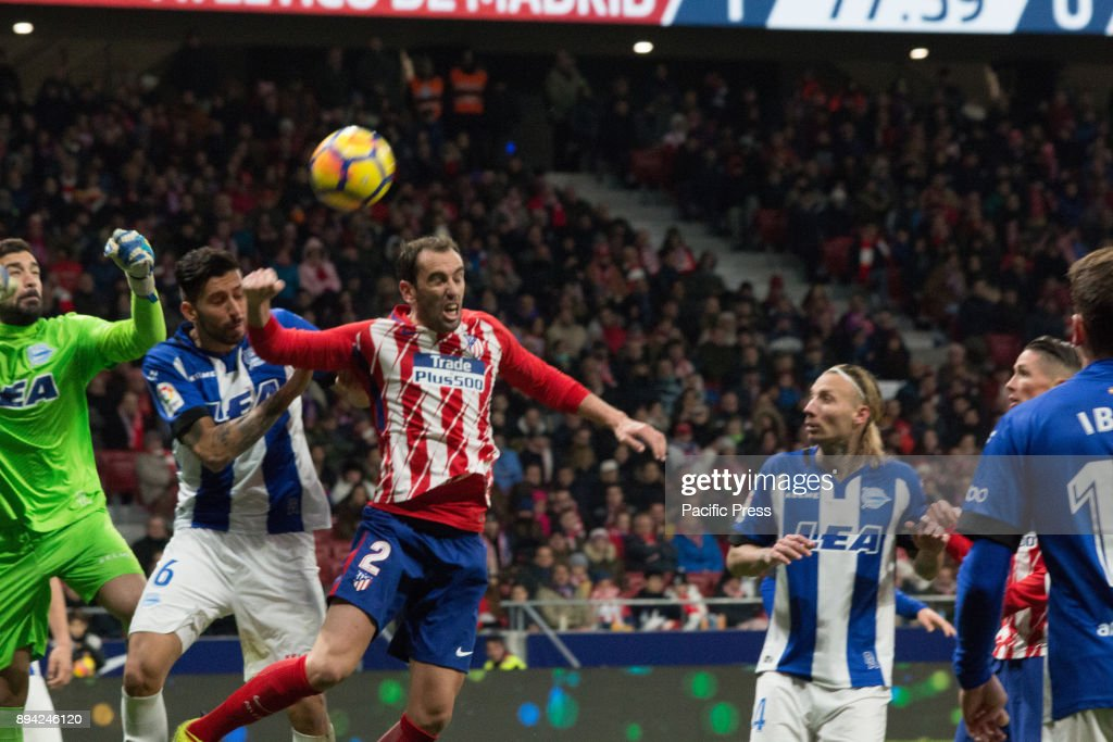 Pacheco, Maripan and Godin (C) during Atletico de Madrid vs... : News Photo