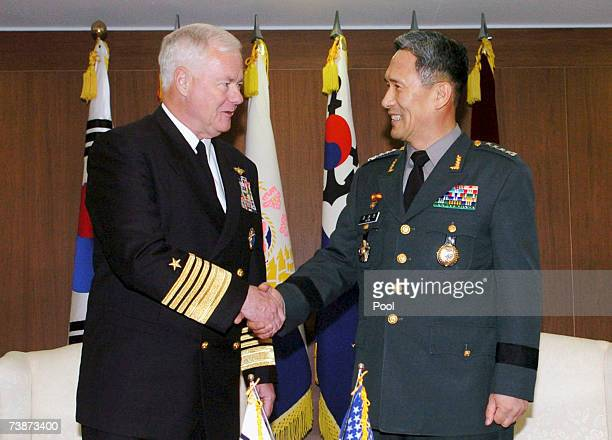 S Pacific Commander Admiral Timothy Keating meets with South Korean Chairman of the Joint Chiefs of Staff Kim KwanJin at the Defense Ministryon April...