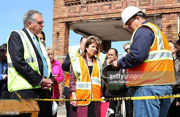 Pacific Gas and Electric worker Rick Salaz shows a weld on a gas pipeline to US Transportation Secretary Ray LaHood and US Rep Jackie Speier during a...