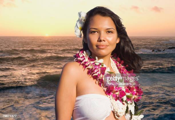 pacific islander woman wearing lei - lei day hawaii stock pictures, royalty-free photos & images