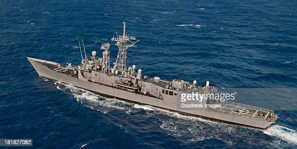 pacific ocean, march 23, 2012 - the guided-missile frigate uss reuben james (ffg 57) conducts operations off the coast of hawaii.  - united_states_senate_election_in_virginia,_2012 stock pictures, royalty-free photos & images